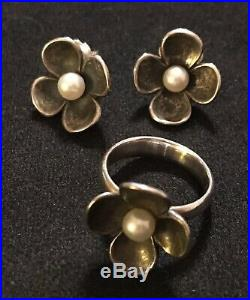 James Avery Retired Pearl Petal Flower Ear Posts & Ring Set Size 7.25