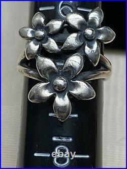 Lovely Retired James Avery Sterling Silver Triple 3 Flower Daisy Ring