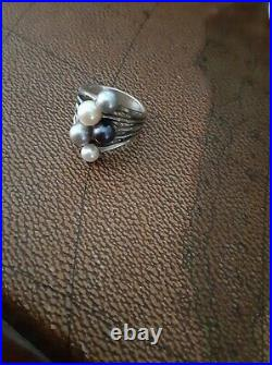 Rare retired james avery Pearl Ring